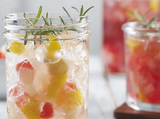 Iced Water Punch con Coctel de Frutas Del monte