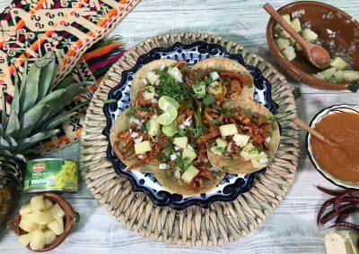 Tacos al pastor con Piñas Del Monte Frutas®